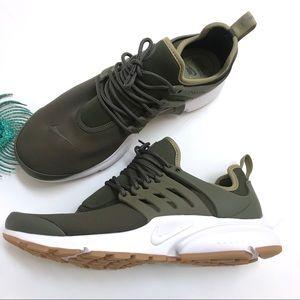 NWOB Nike Air Presto Khaki Cargo Green Sneaker